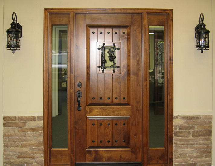Knotty Alder Entry Door With Side Lite Tuscany Design Ex 1335 Ksr Door And Mill Comany